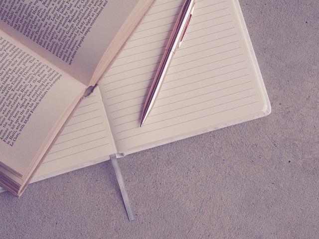 テキスト、ノート、ペン